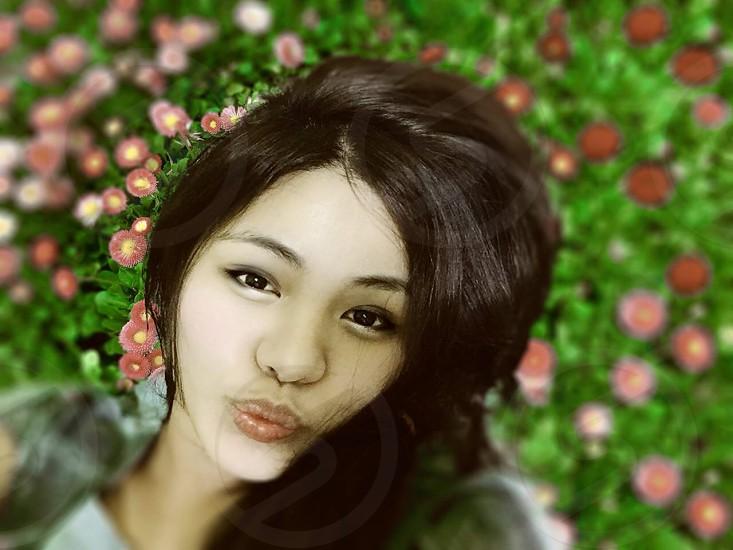 Mesimpleflowers flowers backgroundcuteselfie photo