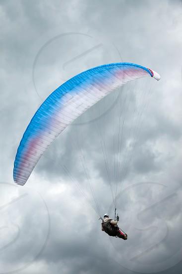 Paragliding at Devil's Dyke photo
