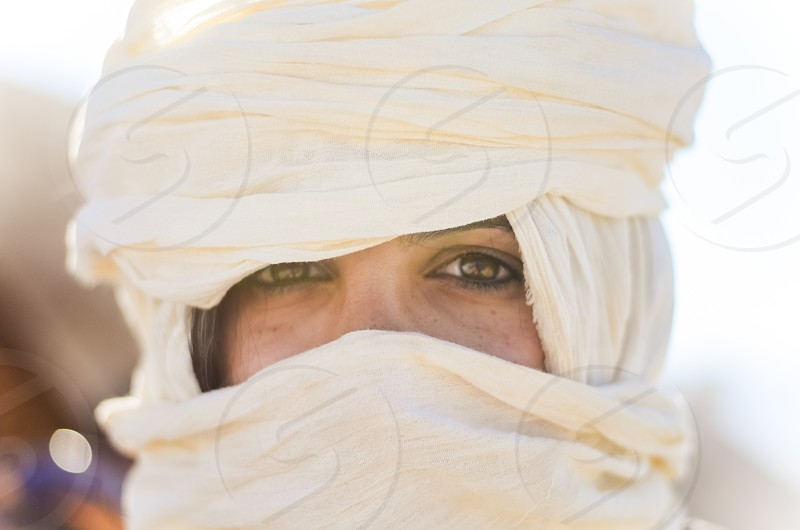 persian iran woman girl head wrap desert photo
