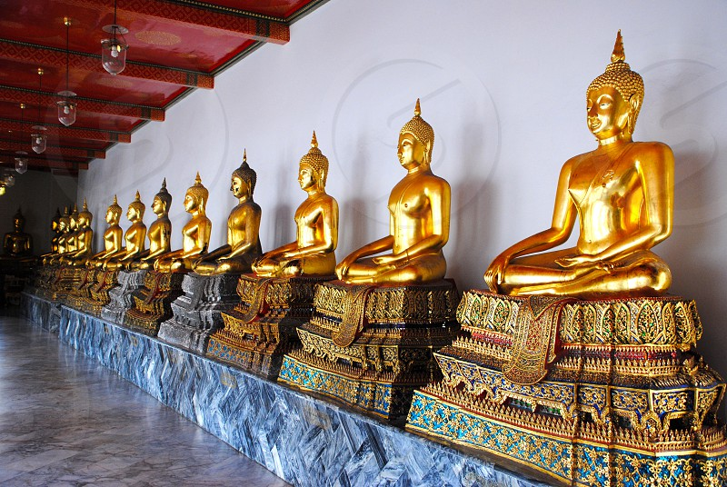 golden Buddha statue photo