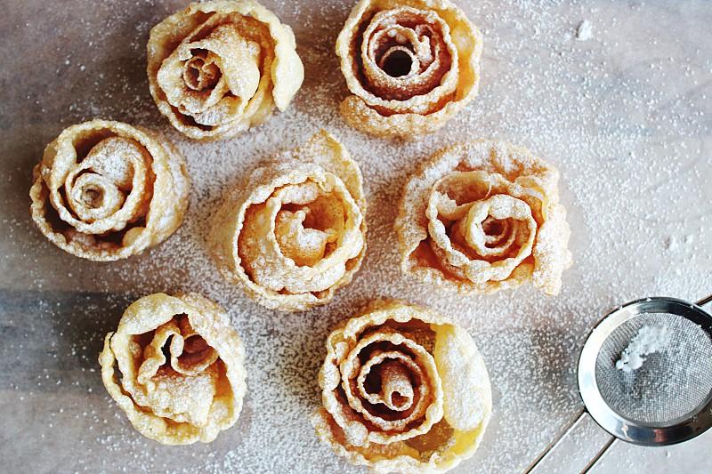 Baking homemade icing sugar dough pastry  photo