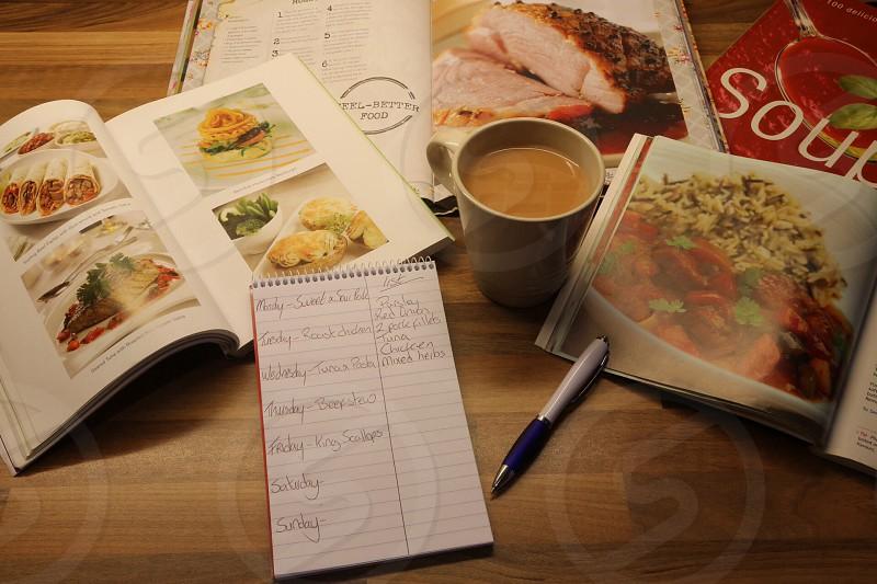 Dinner time organising!  photo