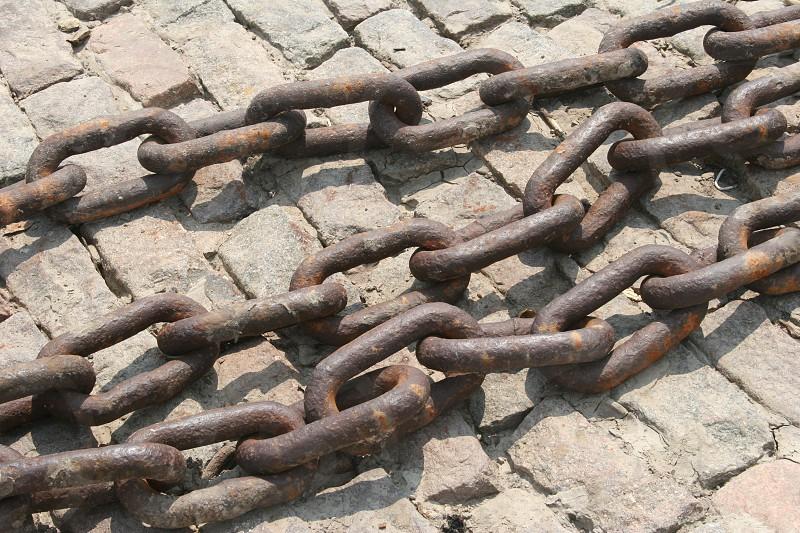 rusty chain photo