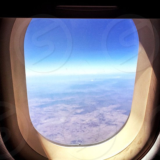 white and clear airplane window photo